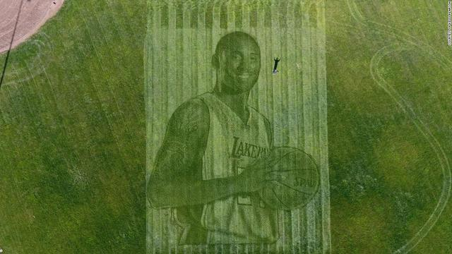 A California couple used a lawn mower and GPS to create this giant grass mural of Kobe Bryant