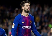 Barcelona defender Pique welcomes new signing Vidal