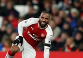 Lacazette should convince Emery to play him before giving up on Arsenal