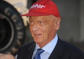"Toto Wolff ""in regular contact"" with Niki Lauda"