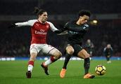 Arsenal fans slam Bellerin v Fulham