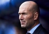 Manchester United face difficulties in acquiring Zinedine Zidane