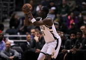 Milwaukee Bucks: Making Tony Snell a featured three-point shooter