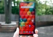 The OnePlus 6T might be a much better iPhone X clone than the OnePlus 6