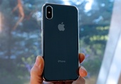 Bloomberg report confirms three new iPhone models are coming this fall