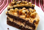 Biscuit Chocolate Cake With Caramel Cream
