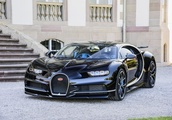 8 Cars That Are Purely Made to Attract Gold Diggers