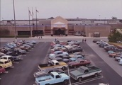 Made Over This Mall To Look Super '80s