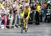 Geraint Thomas: Tour de France winner given hero's welcome home to Cardiff