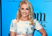 """Emily Osment's BFF on """"Young & Hungry"""" Played Jackson's Love Interest on &qu"""