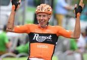 Van der Hoorn attacks late to win third BinckBank stage