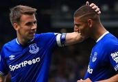 Silvia upbeat on return of Everton fullback Coleman