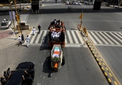 Indians pay homage to former PM Vajpayee before cremation