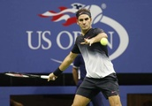 Federer tries to end drought