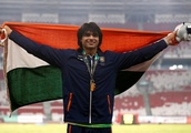 India's Chopra smashes competition to win javelin gold