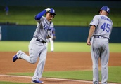 Dodgers win 5th in a row with 3 solo HRs in 3-1 win at Texas
