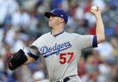 Dodgers pound three homers, dump Rangers