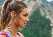Jaybird X4 Wireless Sport Earbuds are made for outdoor athletes