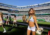 Cheerleaders' lawyer meets NFL officials in bid to end 'climate of sexual harassment'