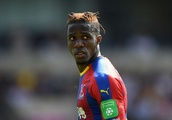 What has been said about Wilfried Zaha's 'stunning gesture' to help Crystal Palace La