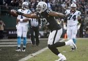 Raiders send star pass rusher Mack to Bears in massive trade