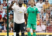 Lukaku at the double as United ease pressure on Mourinho
