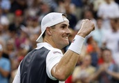 With baby on the way, Isner earns berth in U.S Open quarters