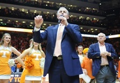 Tennessee's Barnes gets extension through 2023-24