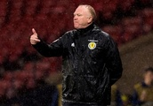 Alex McLeish reveals defensive switch - influenced by England - he reckons can work for Scotland