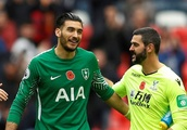 Tottenham fans want Gazzaniga to replace Vorm