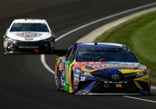Drivers begin title chase