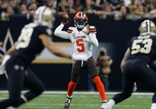 Cleveland Browns: Tyrod Taylor needs to take chances for all 60 minutes