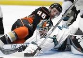 Sharks beat Ducks 7-3 in preseason victory on the road