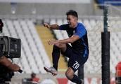 Footballer disappears into hole while celebrating Europa League goal (VIDEO)
