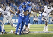 Snell leads Kentucky past No. 14 Mississippi State 28-7
