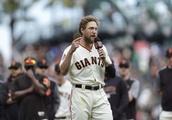 Hunter Pence, fans say farewell in Giants finale