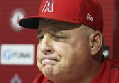 Mike Scioscia bids farewell as Angels manager after 19 years