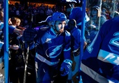 Tampa Bay Lightning F Cedric Paquette leaves game after getting hand stepped on