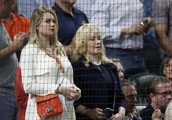 Kate Upton shows off baby bump at Astros playoff game