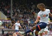 Tottenham fans react to £40m Ake links
