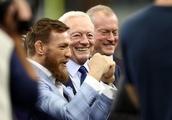 Watch Conor McGregor wildly throw a pass at Dallas Cowboys game