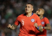 Last-minute goal gives Chile win over Mexico