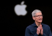Apple CEO calls on 'Bloomberg' to retract China surveillance report