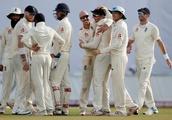 England spinners, Stokes dent Sri Lanka top order