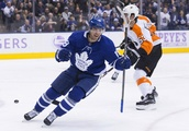 Johnsson has 1st-period hat trick, Maple Leafs rout Flyers