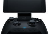 Razer launches a mobile gaming controller with its new phone