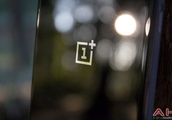 OnePlus Users Want a More Compact Flagship Smartphone: Poll