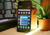 Bigger screens are coming to Samsung Galaxy smartphones next year