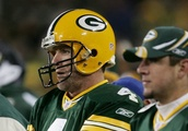 Aaron Rodgers and Brett Favre Exchange Compliments While Discussing the QB Mindset