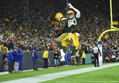 Green Bay Packers: Jimmy Graham getting comfortable in offense